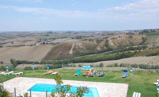 Klein vakantiepark in Le Marche