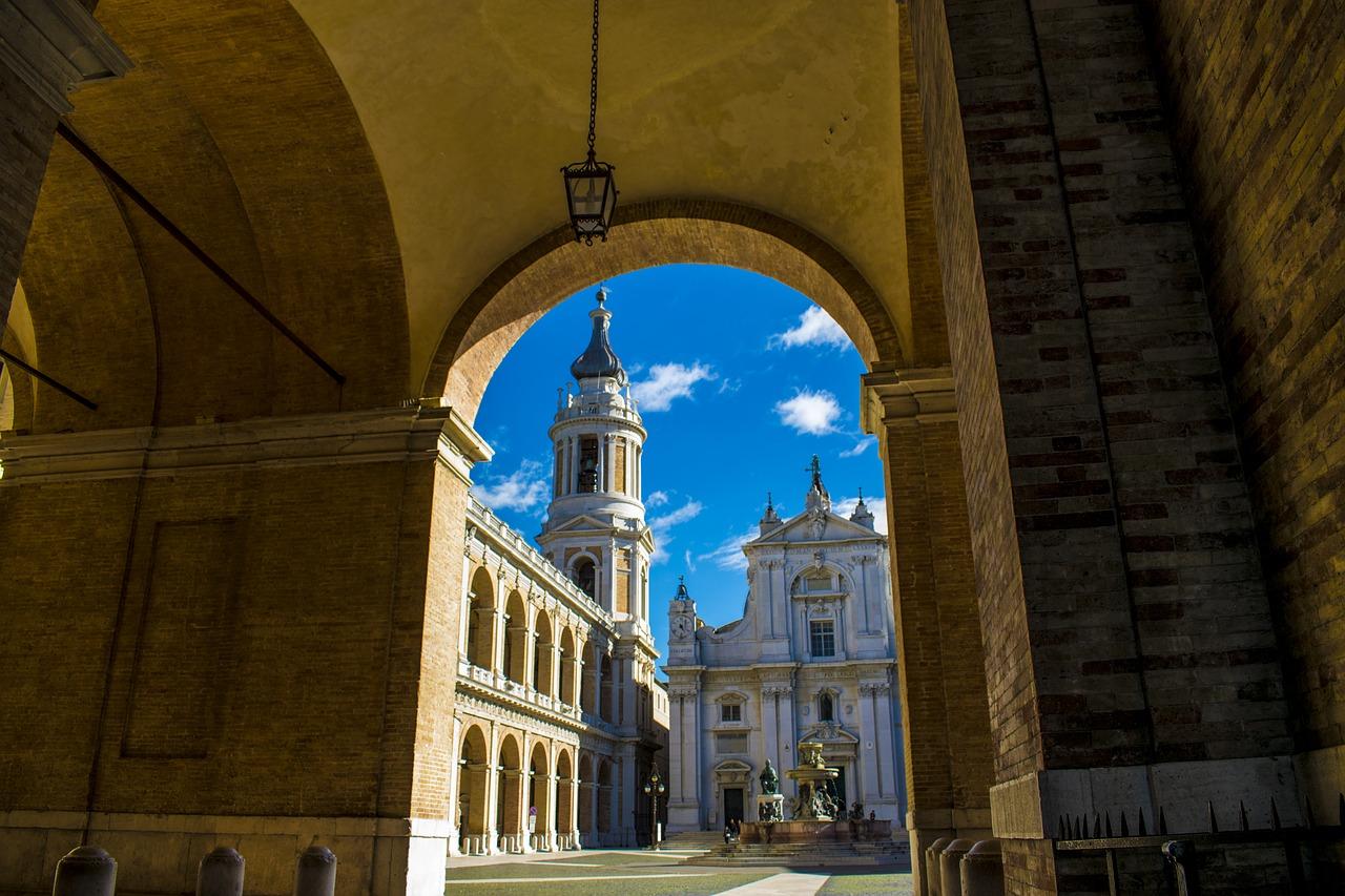 De Basiliek van Loreto - Herfst in Le Marche