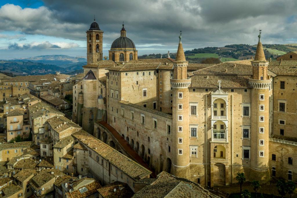 Het prachtige historische centrum van Urbino